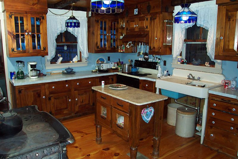 Beautiful Rustic Custom Kitchen Island 800 x 533 · 105 kB · jpeg